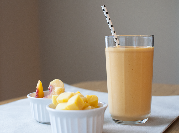 Perfect Peach Mango Smoothie - Hey There Sunshine