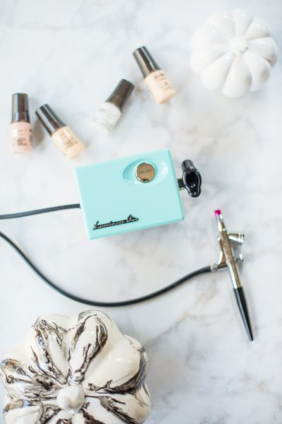 Luminess Airbrush Makeup System Review featured by top US life and style blogger, Miss Molly Moon