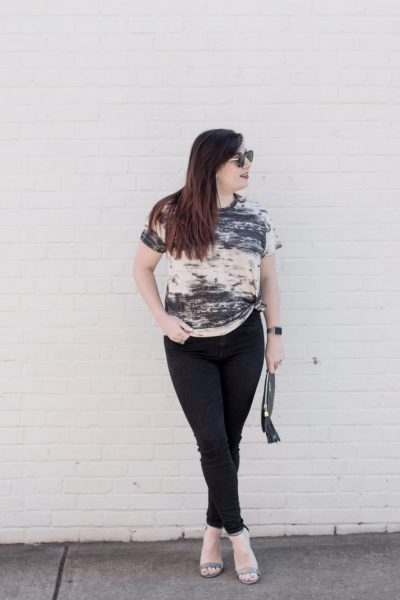 How to Dress Up a Comfy Tee with Metallic Heels via @missmollymoon