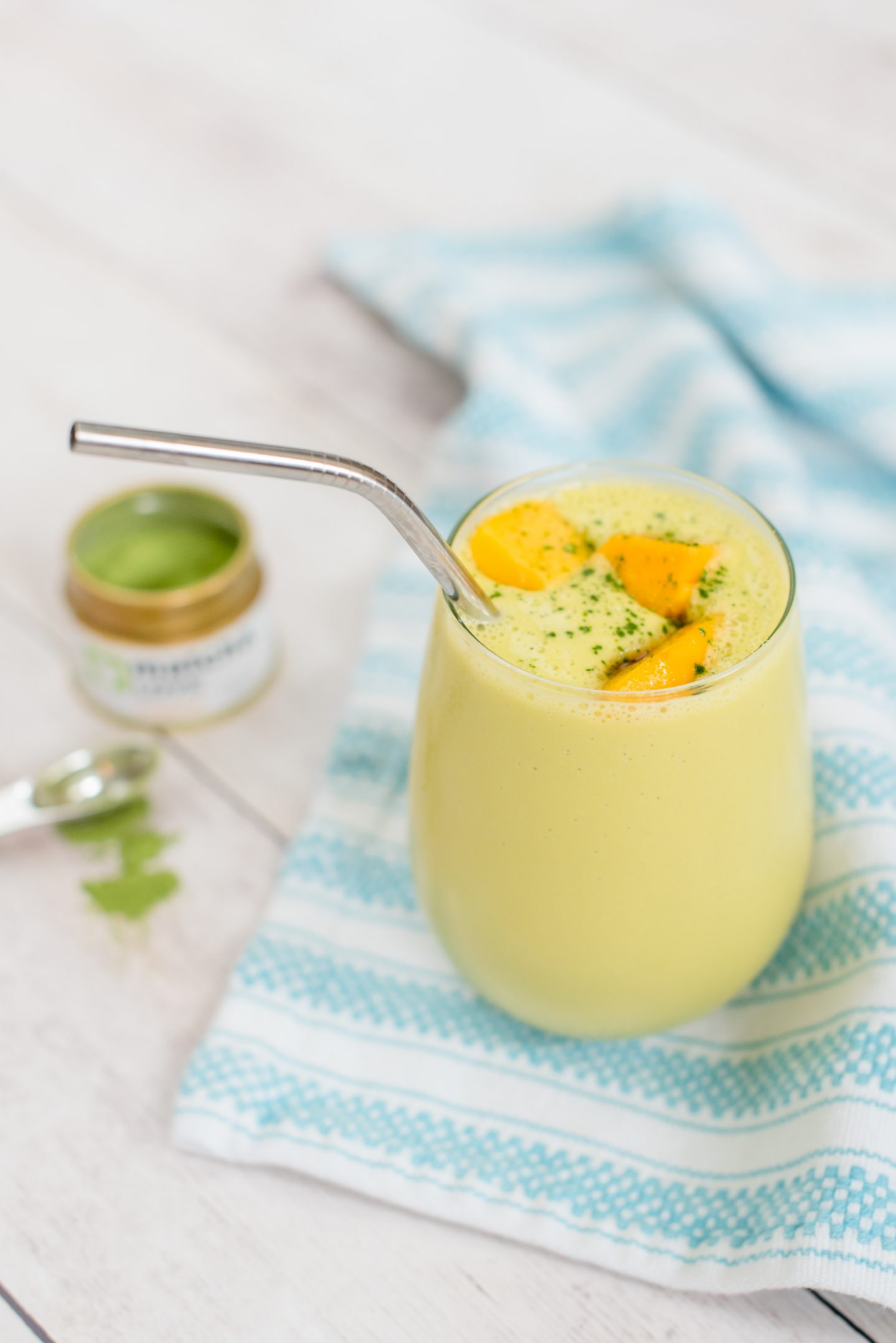Mango-Peach & Matcha Smoothie Recipe // Miss Molly Moon | A Refreshing Mango-Peach & Matcha Smoothie Recipe featured by top Atlanta foodie blogger, Miss Molly Moon