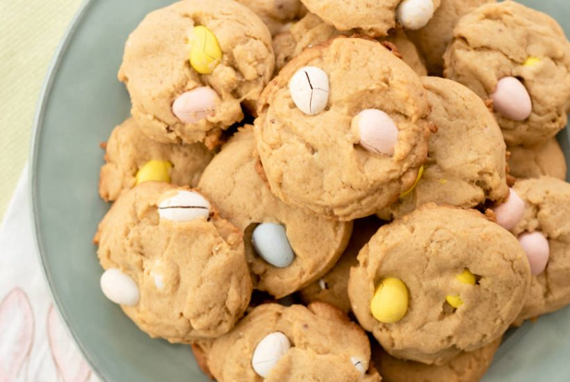 An Easy Recipe for Easter Egg Cookies